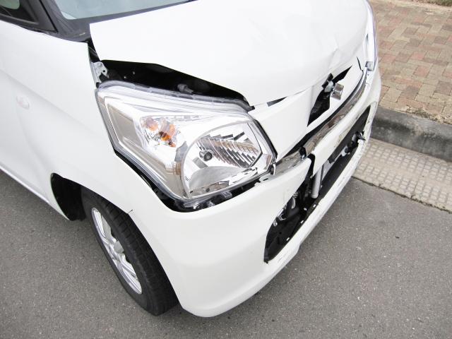 交通事故後の状況を写真しましょう。