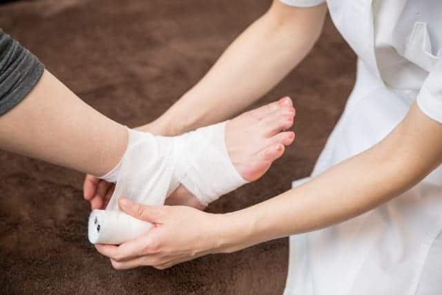 骨折と脱臼の固定出来ます。